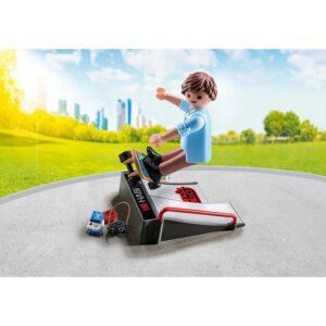 9094-playmobil-skateboarder-me-rampa-2