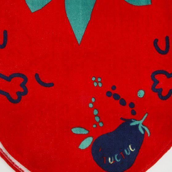 11280329-tuctuc-poncho-red-tomato-healthy-life-girl-kokkino